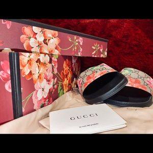 GG Blooms Supreme slide sandal (NEVER WORN)